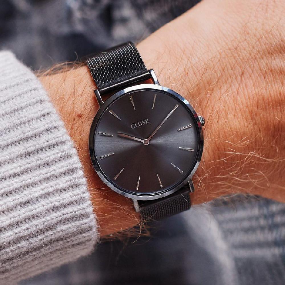 9d7525aeb385 Estuche de regalo para hombre con reloj de cuarzo y correa de malla  adicional Coleccion otoño